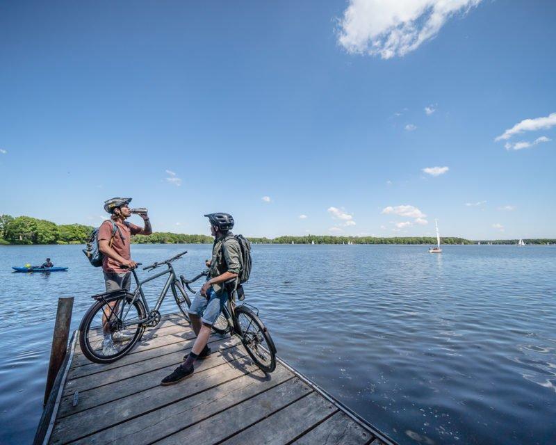 Panorama-Blick mit Fahrrad am Halterner Stausee