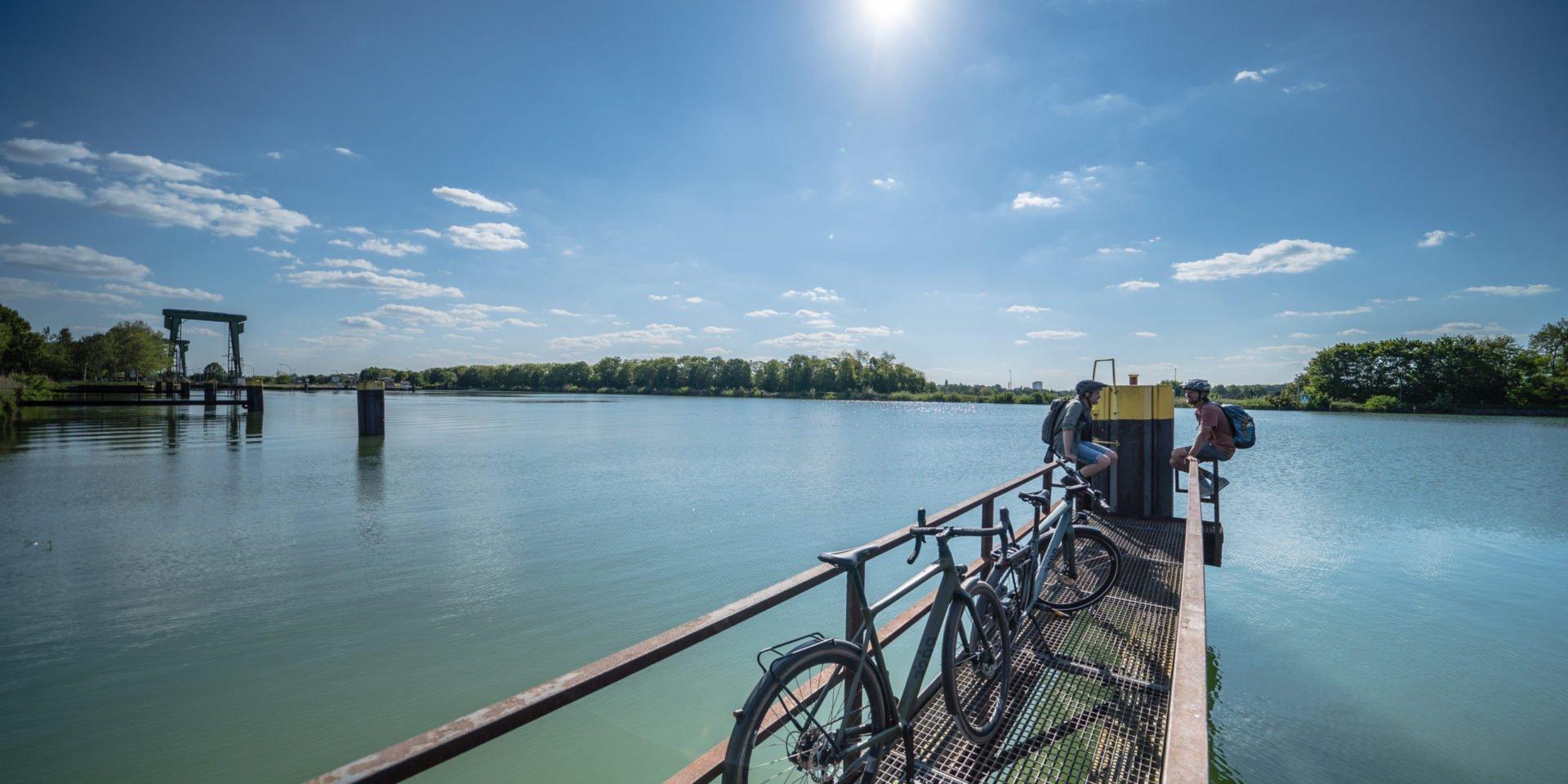 Rad Pause mit Panorama am Kanal-Knotenpunkt Dattelner Meer