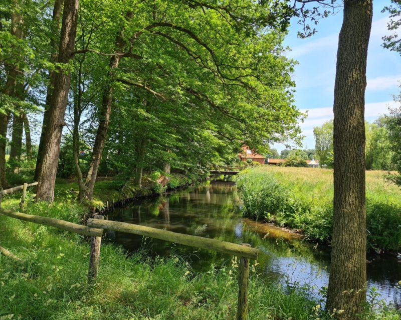 Bachlauf bei Bredevoort Niederlande auf Tagestour Hohe Mark RadRoute